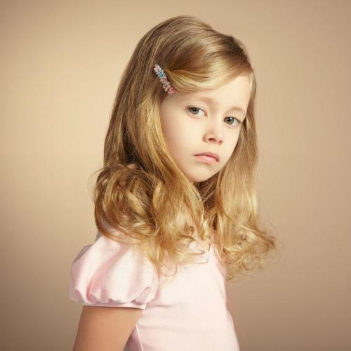 20785885 - portrait of pretty little girl. fashion photo