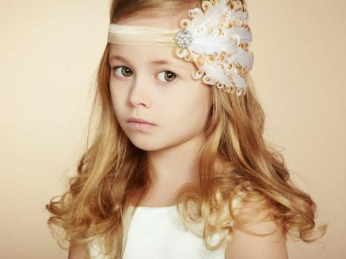 20899781 - portrait of pretty little girl. fashion photo